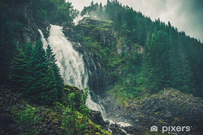 Fototapeta winylowa Scenic norweski wodospad - Relaks