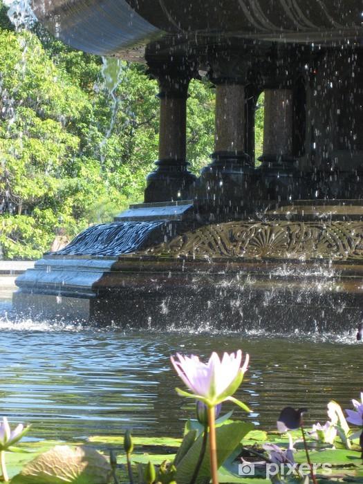 Vinilo Pixerstick Fuente central del parque - Monumentos