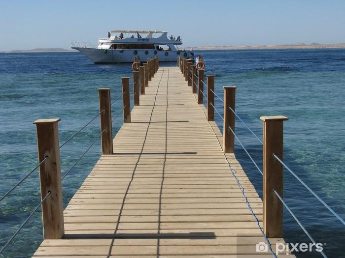 Papier peint vinyle Promenade à la plage pour bateau - Vacances