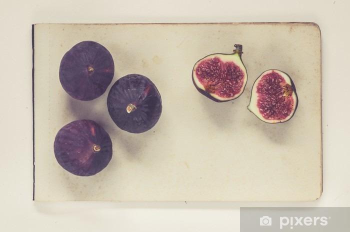 Naklejka Pixerstick Figi leżące na arkuszach papieru rocznika - naturalna historia styl książki - Jedzenie