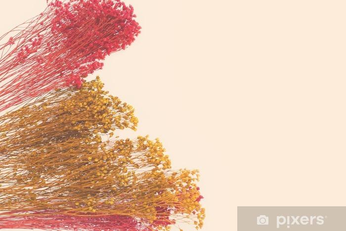 Fototapeta winylowa Dekoracyjne małe kwiaty malowane ręcznie. Przestrzeń dla projektanta, miejsce na tekst - Zasoby graficzne