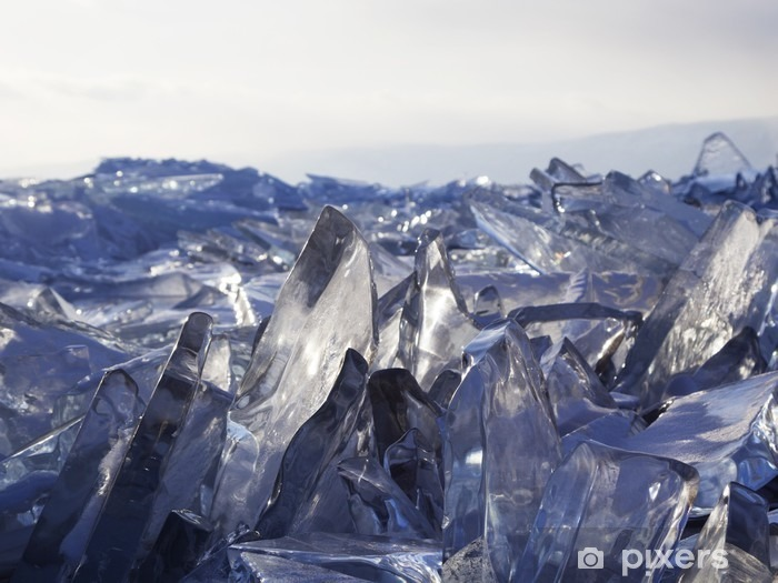 Fotomural Estándar Trozos de hielo brillan al sol. Lago Baikal, Rusia. - Paisajes