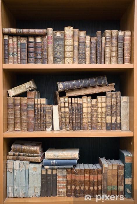 Vinilo Pixerstick Libros antiguos en el estante - Educación
