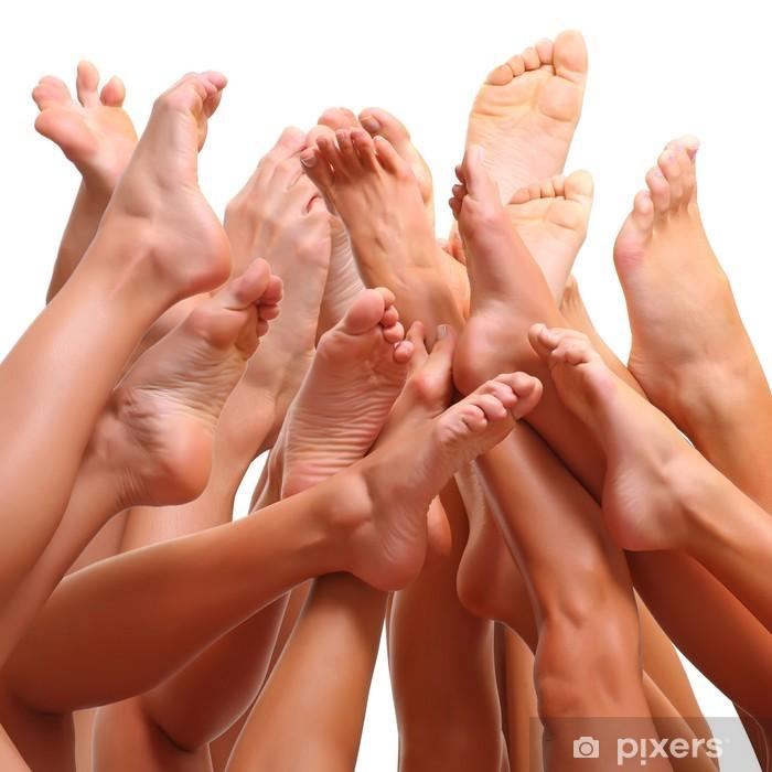 Fototapeta winylowa Pięknych kobiet smukłe nogi grupie dziewcząt - Uroda i pielęgnacja ciała