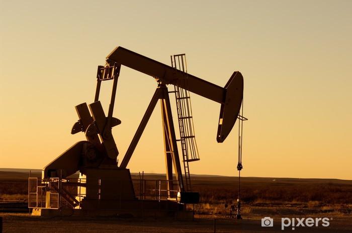 Sticker Pixerstick Travailler pompe à huile dans les régions rurales du Texas au coucher du soleil - Amérique