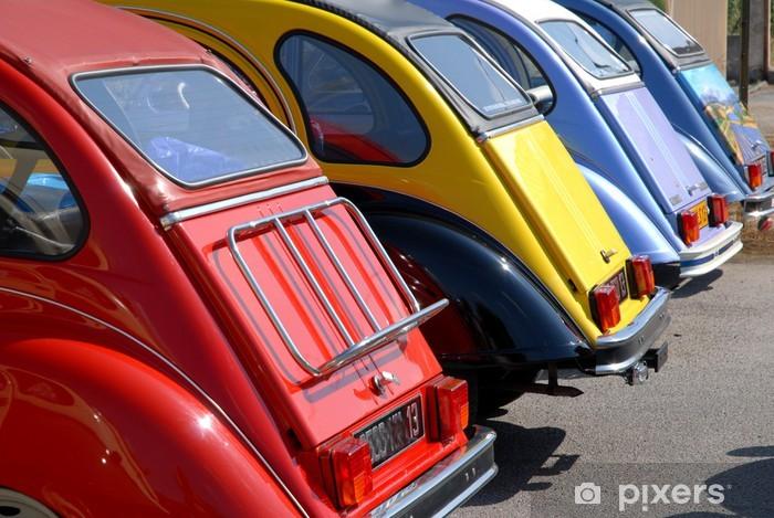 Fototapeta winylowa Skrzynie samochodów zabytkowych - Transport drogowy