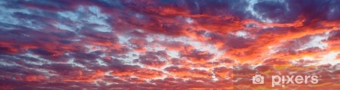 Zelfklevend Fotobehang Panoramisch uitzicht het bloed rode avondlucht en verbazingwekkende wolken. - Grafische Bronnen