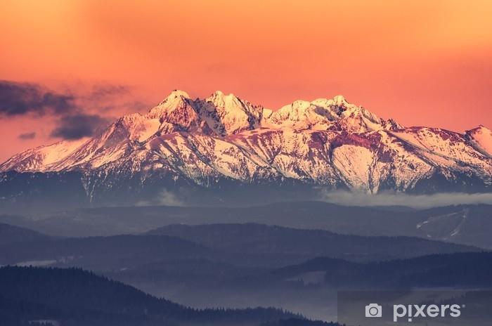 Papier peint vinyle Panorama matinal sur les montagnes Tatras enneigée - Paysages