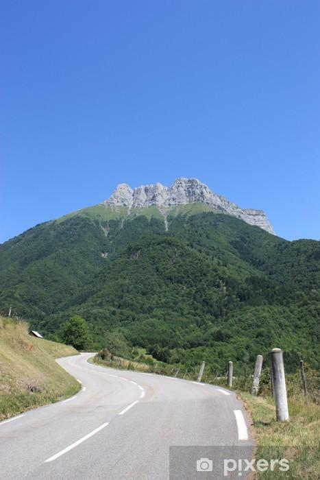Papier peint vinyle Route de montagne - Infrastructures