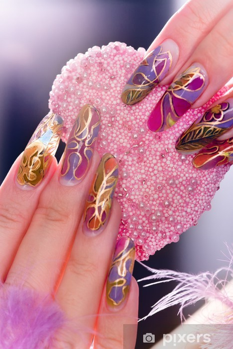 Fototapeta winylowa Ludzkie palce z długim paznokciem - Części ciała