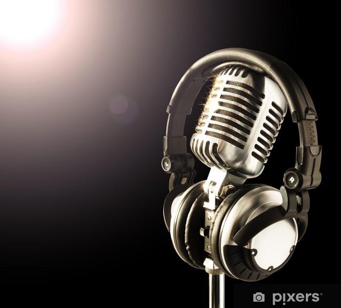 Vinilo Pixerstick Micrófono y auriculares en centro de atención - Entretenimiento