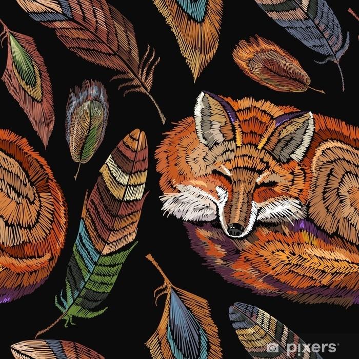 3367c7f2508959 Pixerstick Sticker Borduurwerk slapende vos en kleur veren naadloze  patroon. klassieke borduurwerk naadloze achtergrond.