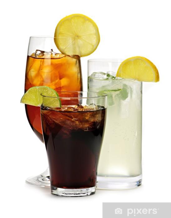 Fototapeta winylowa Napoje bezalkoholowe - Woda mineralna i napoje gazowane