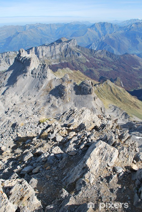 Papier peint vinyle Vue plongeante du pic d'Anie - Montagne