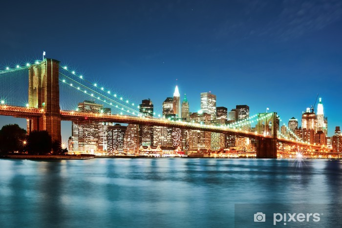 Fototapeta winylowa Brooklyn Bridge w nocy -