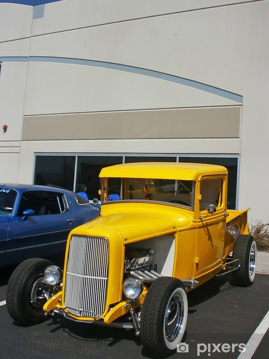 Sticker Pixerstick Camion jaune de hotrod - Sur la route