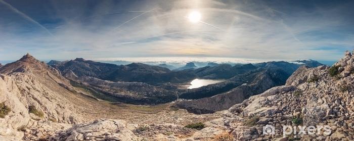 Afwasbaar Fotobehang Panoramisch landschap van bergen en zee van wolken in serra de tramuntana, de hoogste hoogste berg van puig in het eiland van Majorca, Spanje - Landschappen