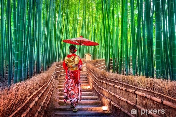 Sticker Foret De Bambou. Femme Asiatique Portant Kimono Traditionnel  Japonais à La Forêt De Bambou à Kyoto, Au Japon. Pixerstick