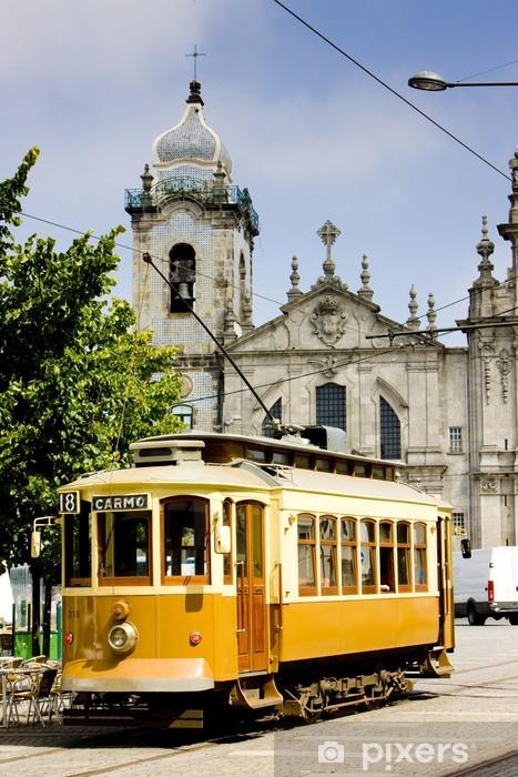 Naklejka Pixerstick Tramwajowy naprzeciwko Carmo Church, Porto, Portugalia - Europa