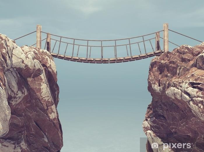Fototapeta winylowa Stary most między dwoma dużymi skałami. - Krajobrazy