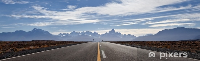 Fototapeta winylowa Droga do el chalten, góry fitz roy w tle. malownicza panorama. - Podróże