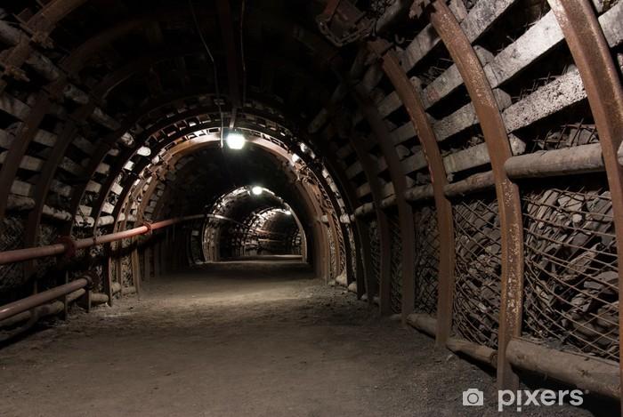 Fototapeta winylowa Wzmocniona tunel w kopalni węgla kamiennego - Tematy