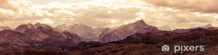 Sticker Pixerstick Vue panoramique des montagnes des dolomites italiennes - Paysages