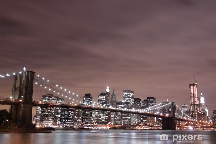 Fototapeta winylowa Brooklyn Bridge i Manhattan Skyline w nocy, New York City - Tematy