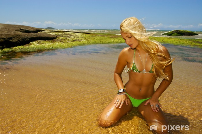 Blondine Babe Bikini Pool