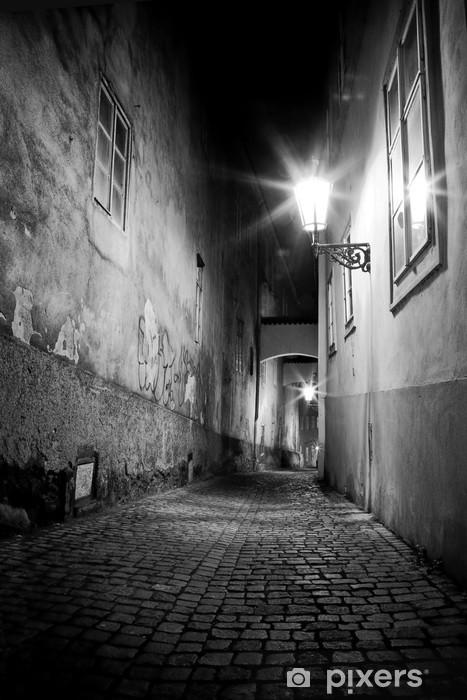 Fotomural Estándar Misterioso callejón estrecho - Praga
