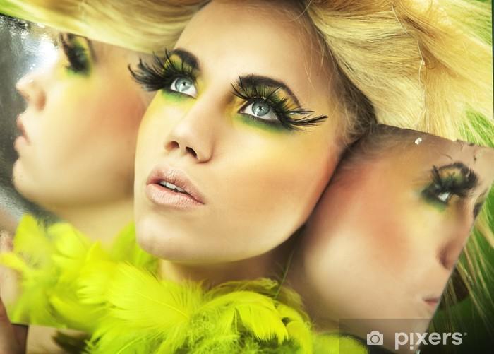 Naklejka Pixerstick Multiple Portret ładna blondynka - Kobiety