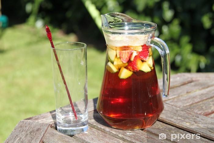 Fototapeta winylowa Dzbanek Pimms i koktajl lemoniady z owoców i szkła pusty - Alkohol