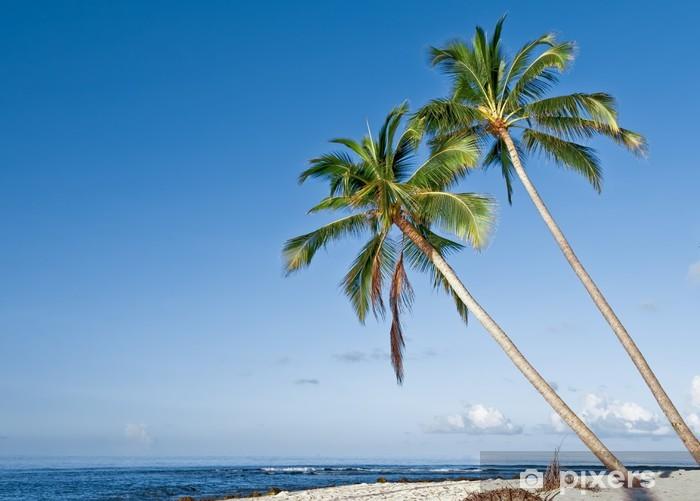 Papier peint vinyle Plage avec des cocotiers sur l'île tropicale - Religion