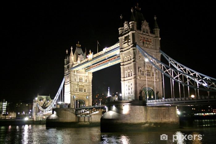Naklejka Pixerstick Tower Bridge w nocy - Tematy