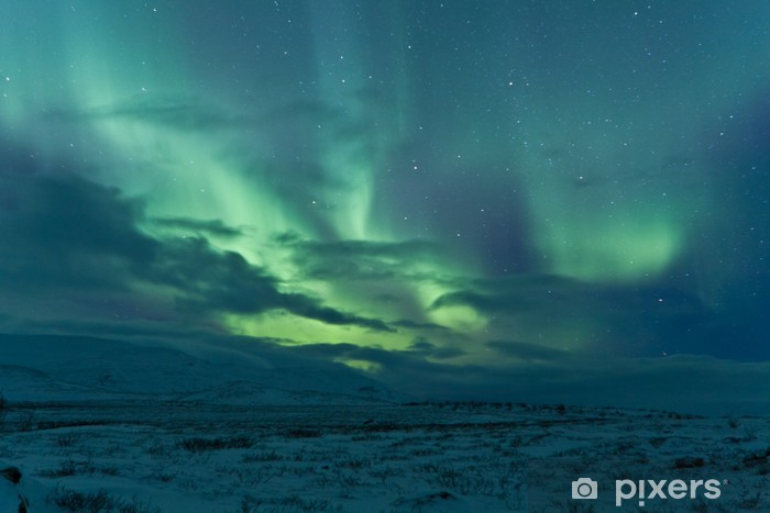Vinilo Pixerstick Luces del norte después de una tormenta - Espacio exterior