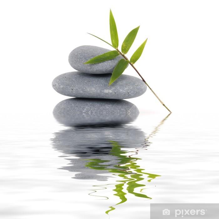 Vinilo Pixerstick Hojas de bambú con la reflexión piedras apiladas - Belleza y cuidado personal