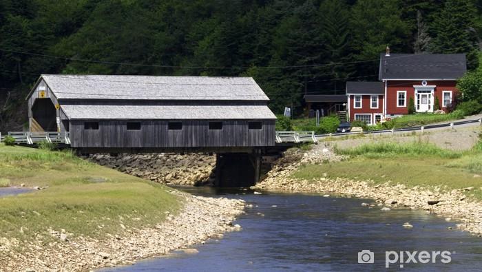 Sticker Pixerstick Pont couvert sur le ruisseau de ROCKY - Amérique