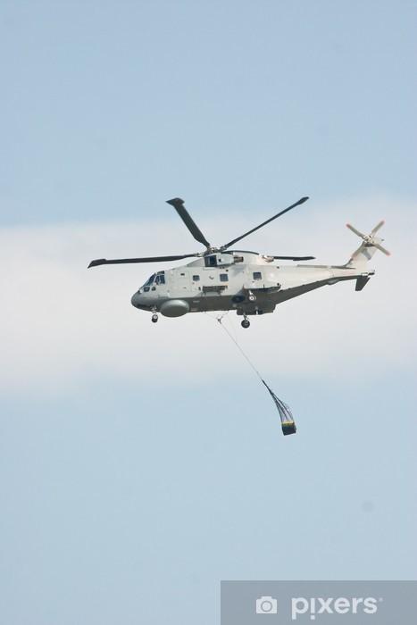 Naklejka Pixerstick Merlin Śmigłowiec podnoszenia Cargo przeciw błękitne niebo - Transport powietrzny