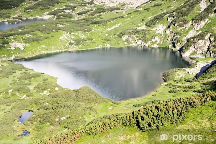 Fototapeta winylowa Górskie jezioro - kształt serca. Tatry w Europie. - Tematy