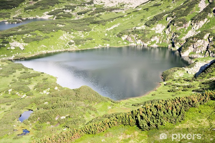 Mountain lake - sydämen muotoinen. Tatras Euroopassa. Vinyyli valokuvatapetti -