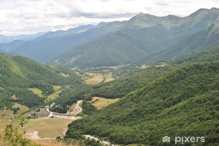 Naklejka Pixerstick Camaleño Valley, szczyty Europy, hiszpania - Europa