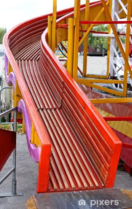 Naklejka Pixerstick Drewniany Helter Skelter Fun Fair atrakcji. - Szczęście