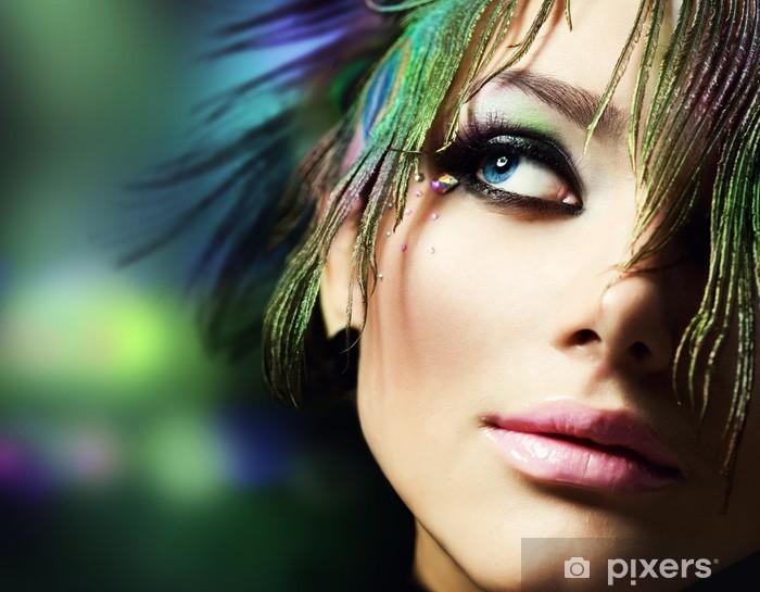 Naklejka Pixerstick Beautiful Face Kobieta Moda. Idealny makijaż - Uroda i pielęgnacja ciała