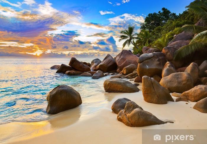 Sticker Pixerstick Plage tropicale coucher soleil - Eau
