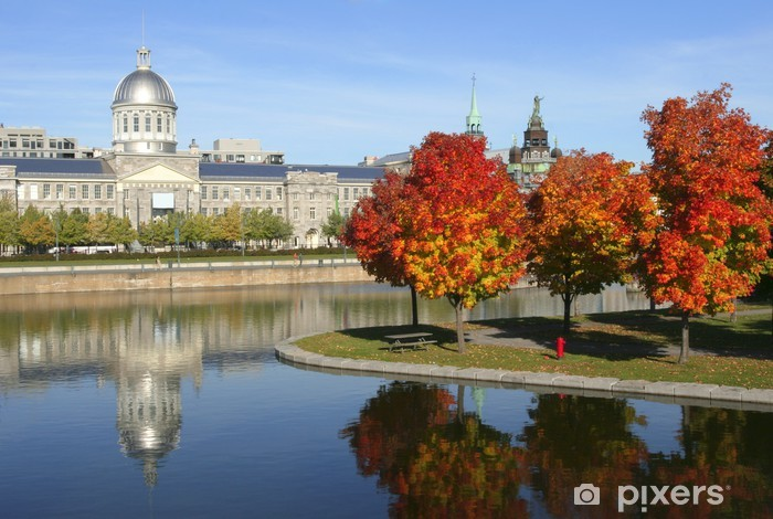 Vinilo Pixerstick Viejo Montreal en otoño, Quebec, Canadá - América