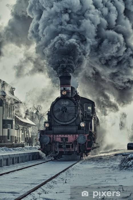 Naklejka Pixerstick Lokomotywa parowa w śniegu - stacja kolejowa - Tematy