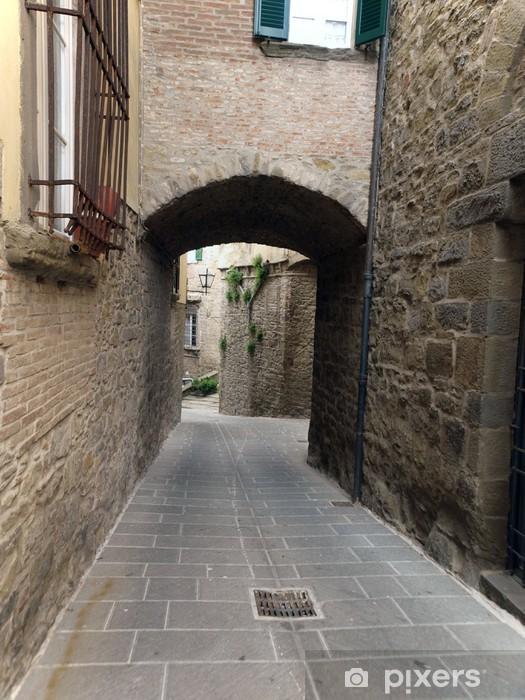 Pixerstick Sticker Een straat in Cortona, de Toscaanse stad van Etruskische oorsprong - Europa
