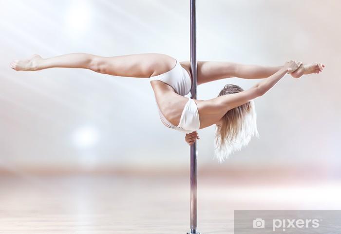 Papier peint vinyle Jeune femme de pole dance - Sous-vêtements