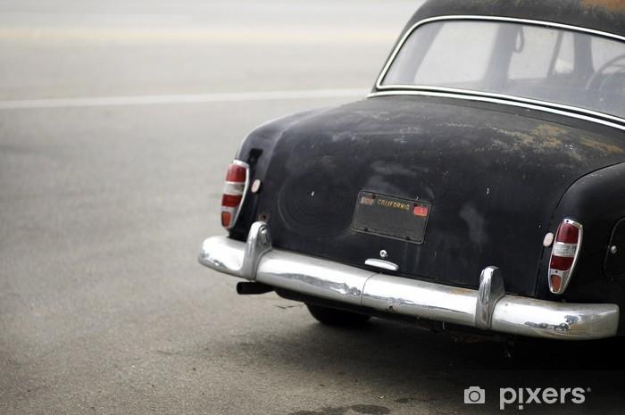 Fototapeta winylowa Rusted czarny samochód z tyłu - Tematy