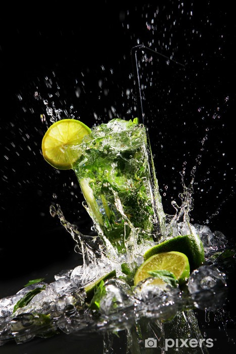 Fresh drink with green lime Vinyl Wall Mural - Restaurant